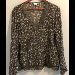 Pretty Sheer Blouse with Ditsy Flower Print (14)